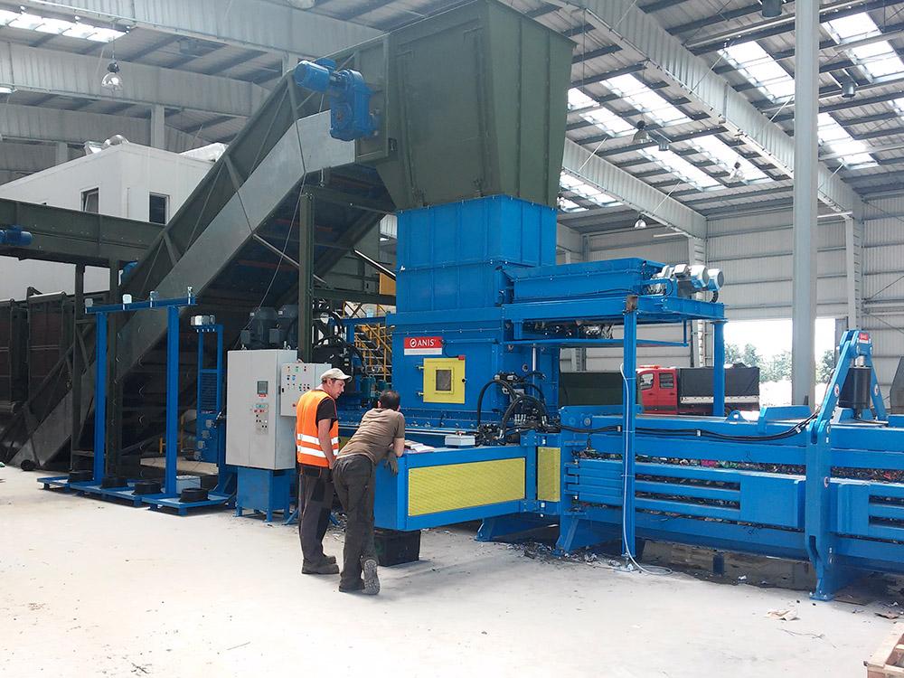 Infeed conveyor belt