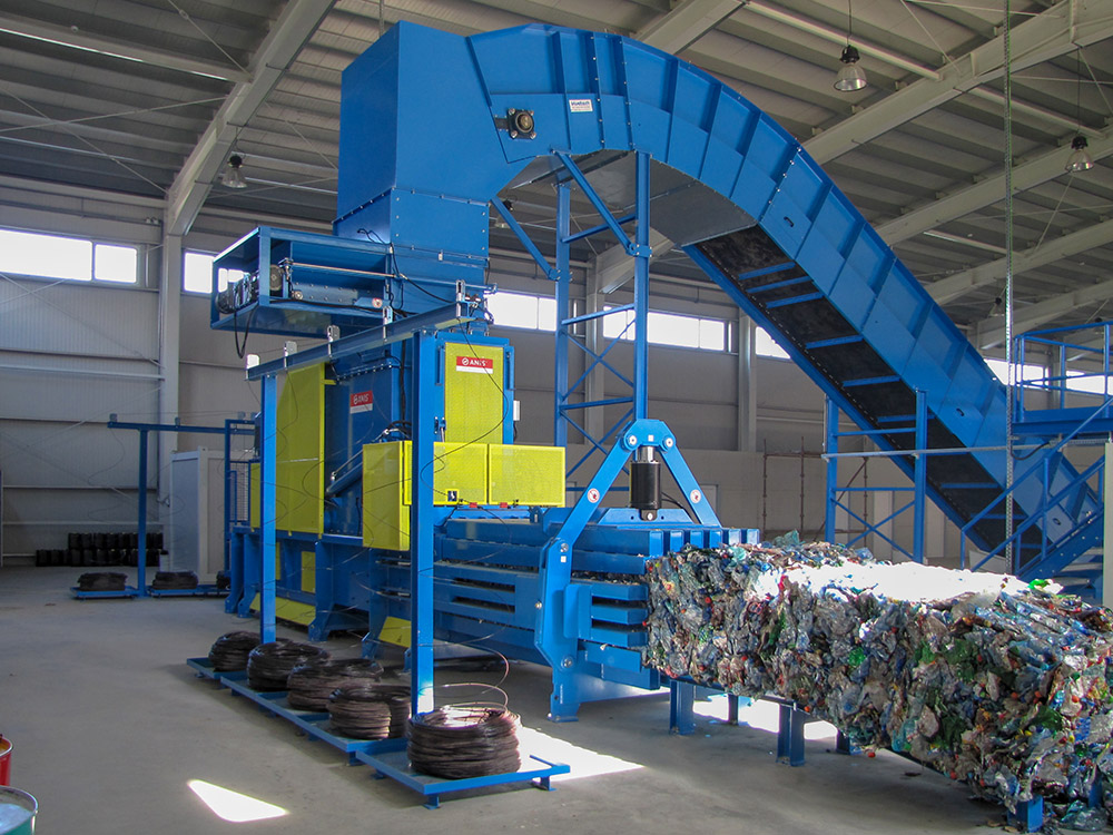 baler for recycling centres