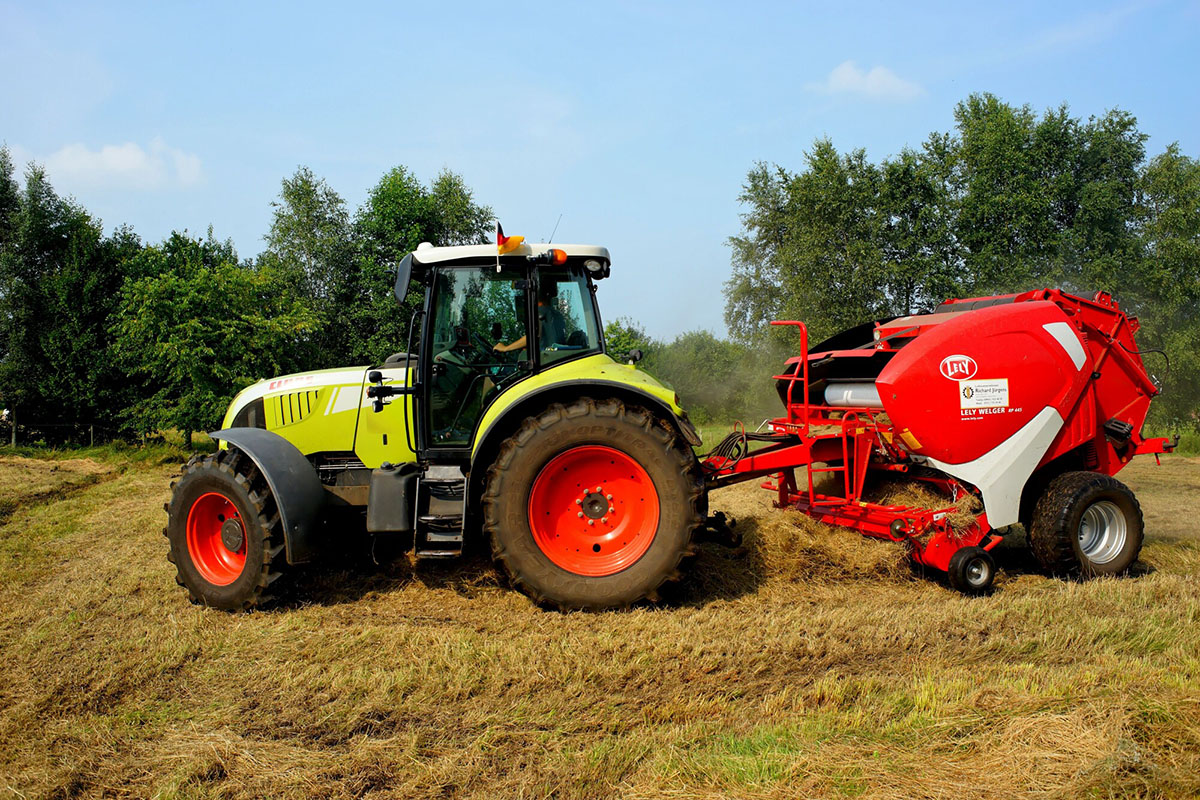 Balers and Compactors: Which Is Better for Your Business